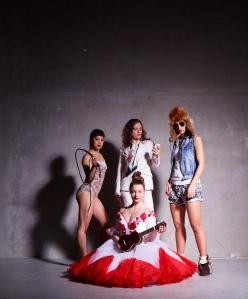 Tonight I don't take no calls 'cause I'll be dancing, premiere at FACES, Hamburg 2012